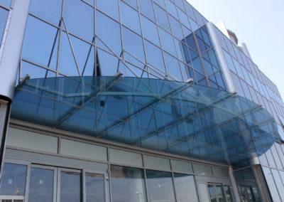 Le coperture in vetro di Allusider sono luminose e isolate a livello acustico